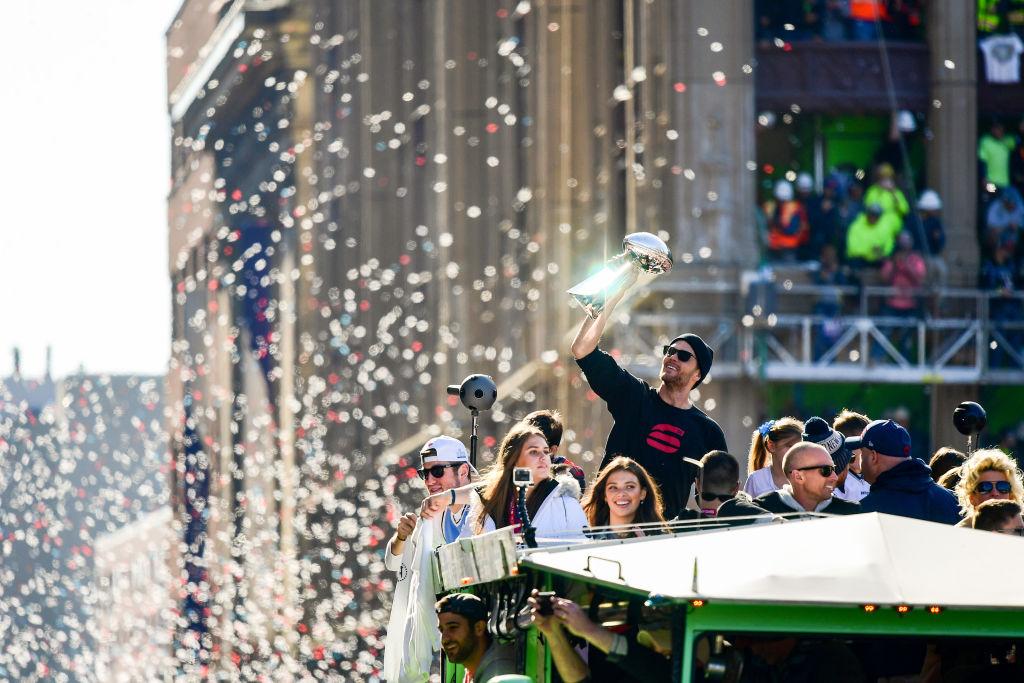 ¡Ah no bueeno! Fans de los Patriots protagonizan pelea en festejos por el Super Bowl