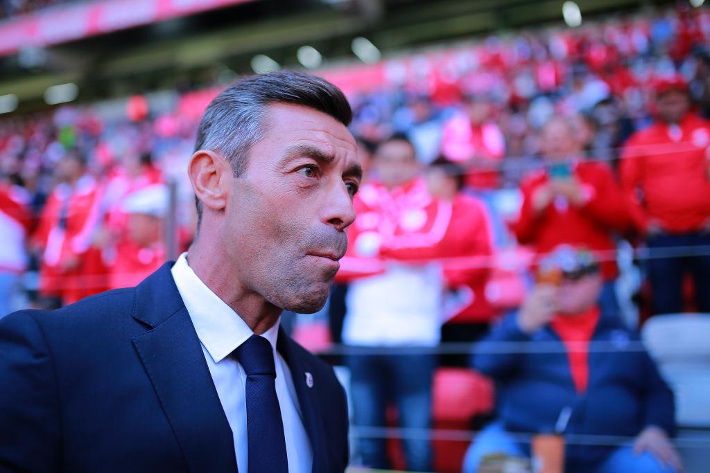 """Hermosillo: """"Caixinha debería poner a entrenar a sus delanteros y no llevarlos a cenar"""""""