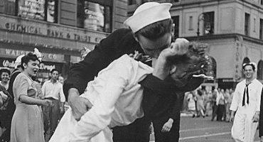 El marinero besucón del final de la Segunda Guerra Mundial falleció a los 95 años