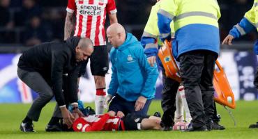 PSV confirma la baja del 'Chucky' Lozano por conmoción cerebral