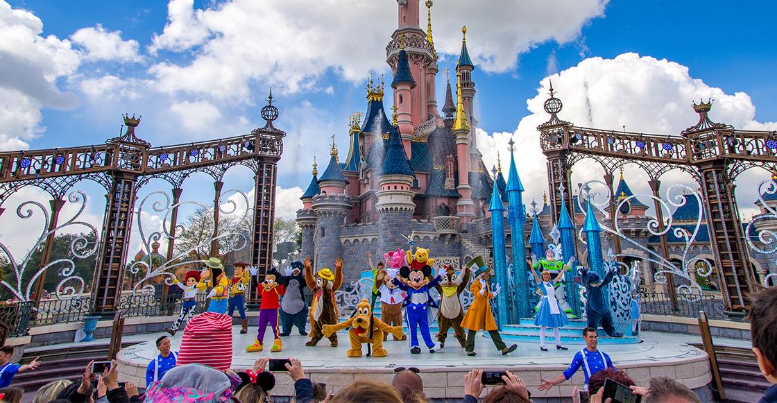 ¡Bravo! Uno de los parques de Disney tendrá su propio desfile del orgullo gay por primera vez