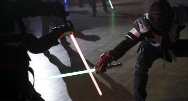 ¡Nerdgasmo! El esgrima con sable de luz ya es deporte oficial en Francia