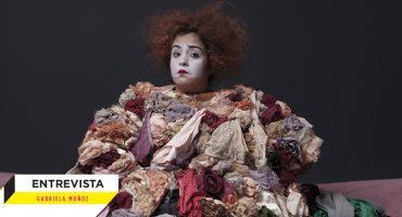 Dirt!: La obra de teatro que expone lo que hay detrás del desapego y lo que no queremos dejar ir