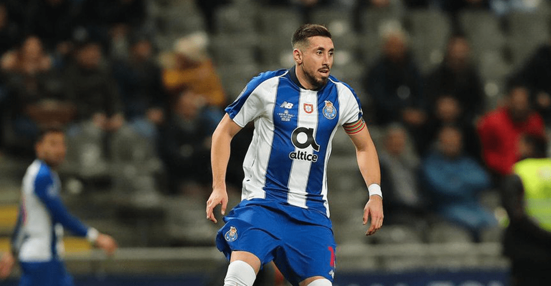 Héctor Herrera rescata al Porto