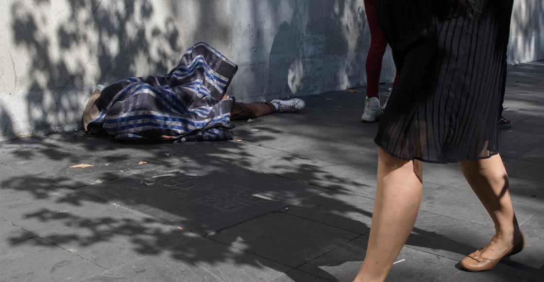 ¡¿Qué rayos México?! Quemaron a un indigente en el Centro Histórico de la Ciudad de México