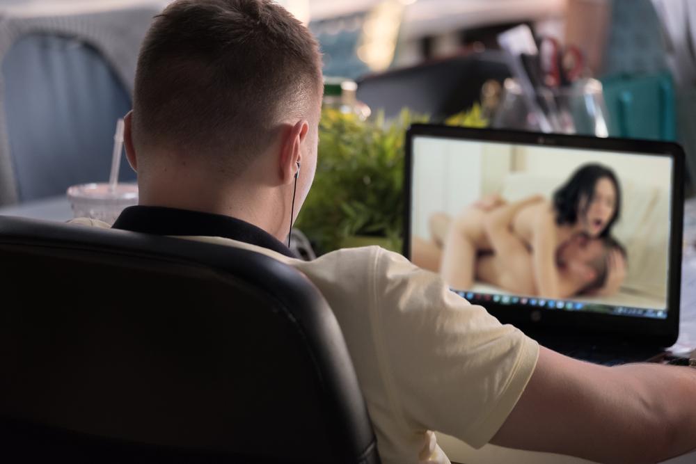 Estrellas porno se van a paro laboral por posible contagio masivo de VIH ¿Cómo es trabajar en esta industria?