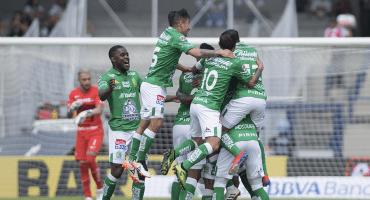 Tres goles a los tristes Pumas terminan con el invicto de Marioni
