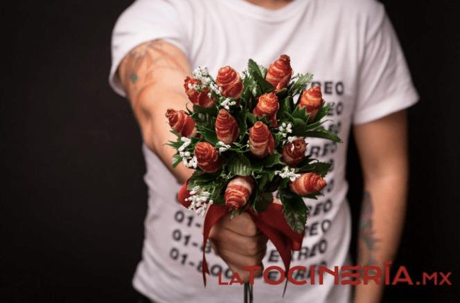 ¿Las rosas qué? Estos ramos de donas y tocino son lo que necesitas para el 14 de Febrero