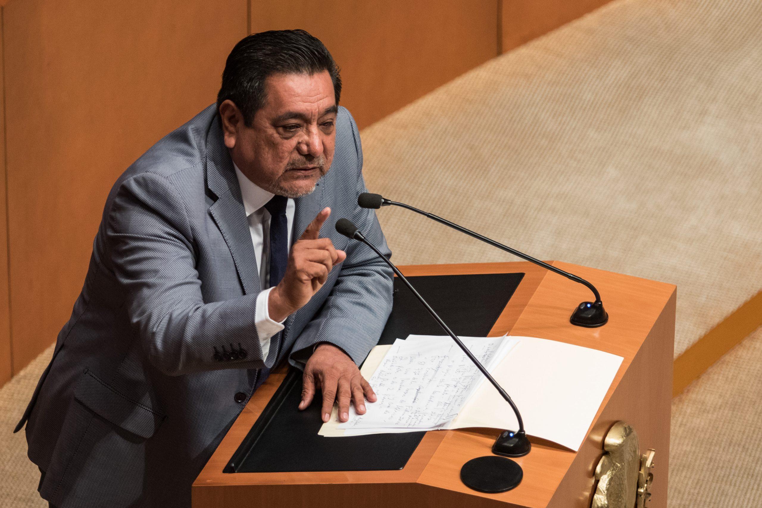 CIUDAD DE MÉXICO, 11DICIEMBRE2018.- Félix Salgado Macedonio, senador por Morena en el Senado de la República, durante su intervención en tribuna durante la sesión del pleno.