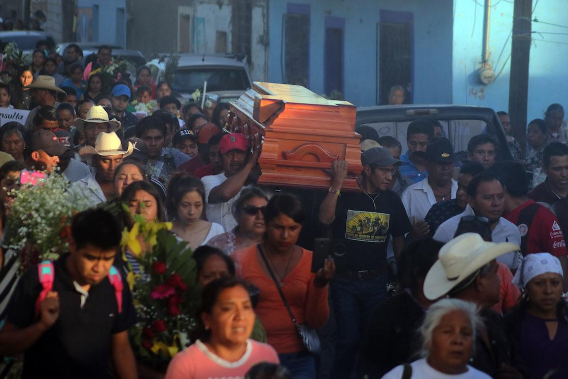 samir-flores-activista-entierro