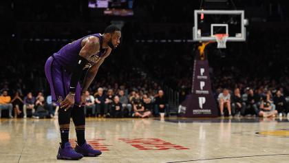 Las rachas y récords que perdió LeBron James tras la eliminación oficial de los Lakers