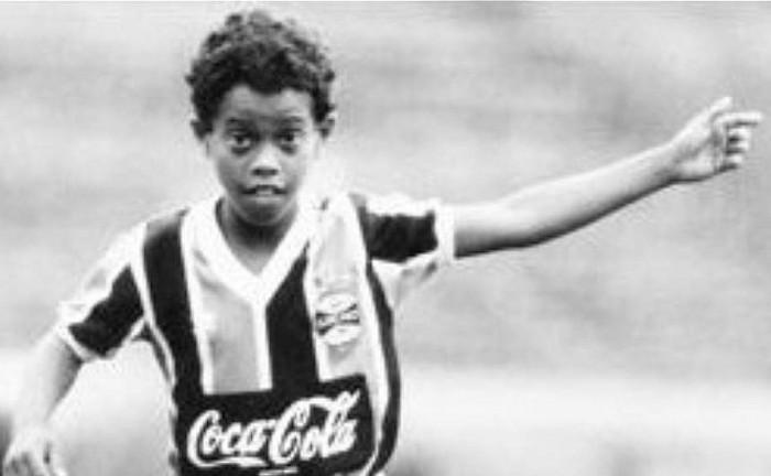 Recordemos el día que Ronaldinho maravilló al mundo haciendo 23 goles