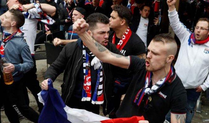 Pelea campal entre fans del Barcelona y Lyon dejó 5 detenidos y varios heridos