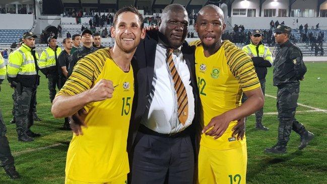 Himno de Sudáfrica fue interrumpido en el estadio ¡por mensajes de WhatsApp!