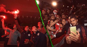 Así fue el espectacular recibimiento de la afición a Chivas en la CDMX