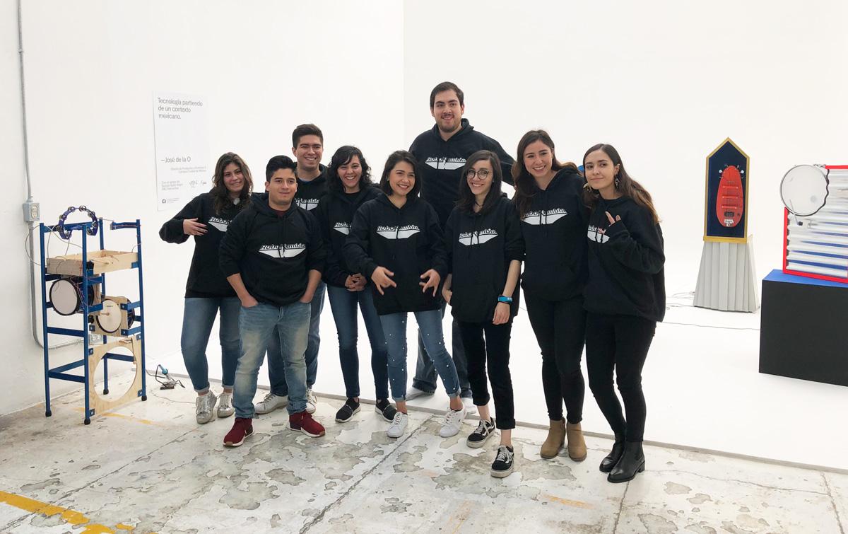 Estudiantes Tec de Monterrey Robokumbia