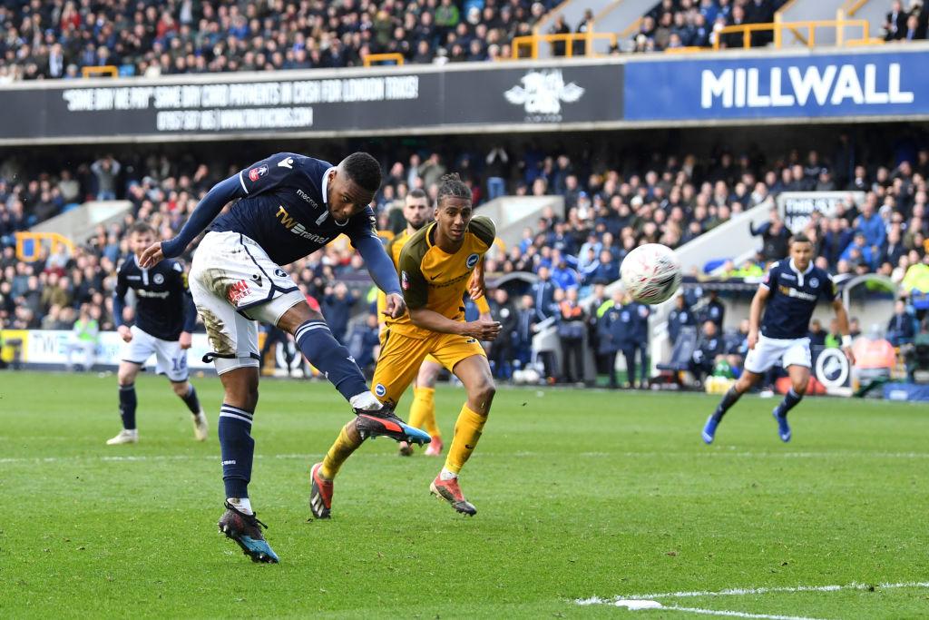 Tras un partido cardiaco, Millwall eliminó al Brighton de la FA Cup