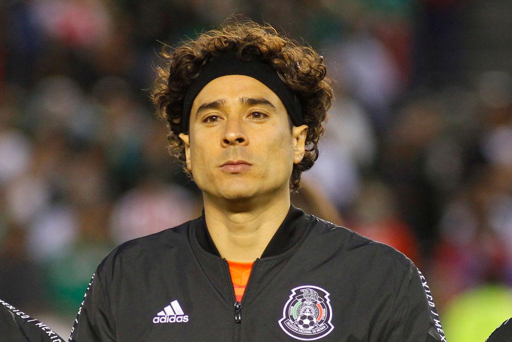 Mientras aquí lo odian, en Bélgica eligieron a Guillermo Ochoa el mejor portero de la liga