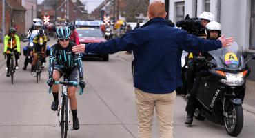 Nicole Hanselmann, la ciclista a la que le impidieron alcanzar a los hombres en una carrera mixta