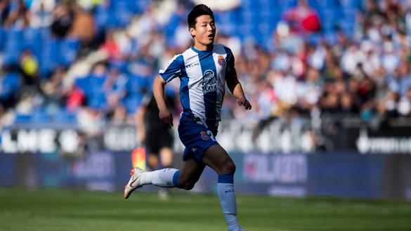 Wu Lei: El 'Messi chino' que buscará estrenarse en el derbi catalán