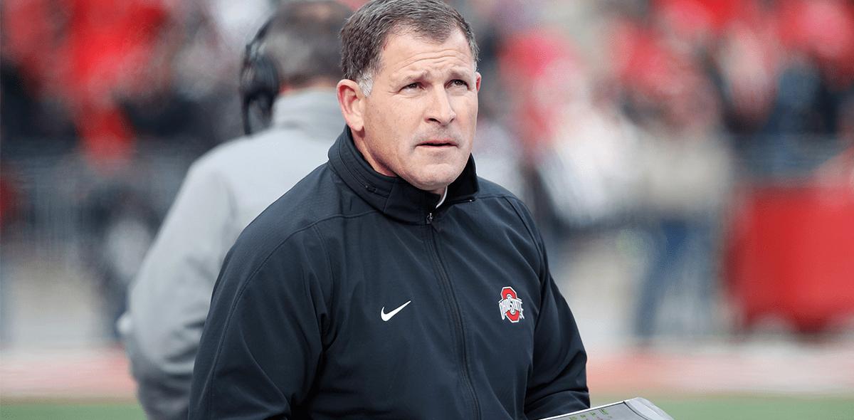 Las razones por las que renunció el coordinador defensivo de los Patriots