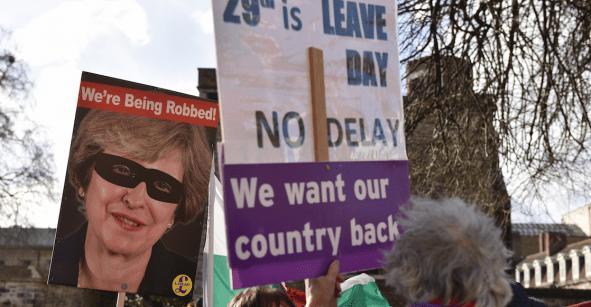Sigue la mata dando: Theresa May pide prórroga a la Unión Europea para el Brexit