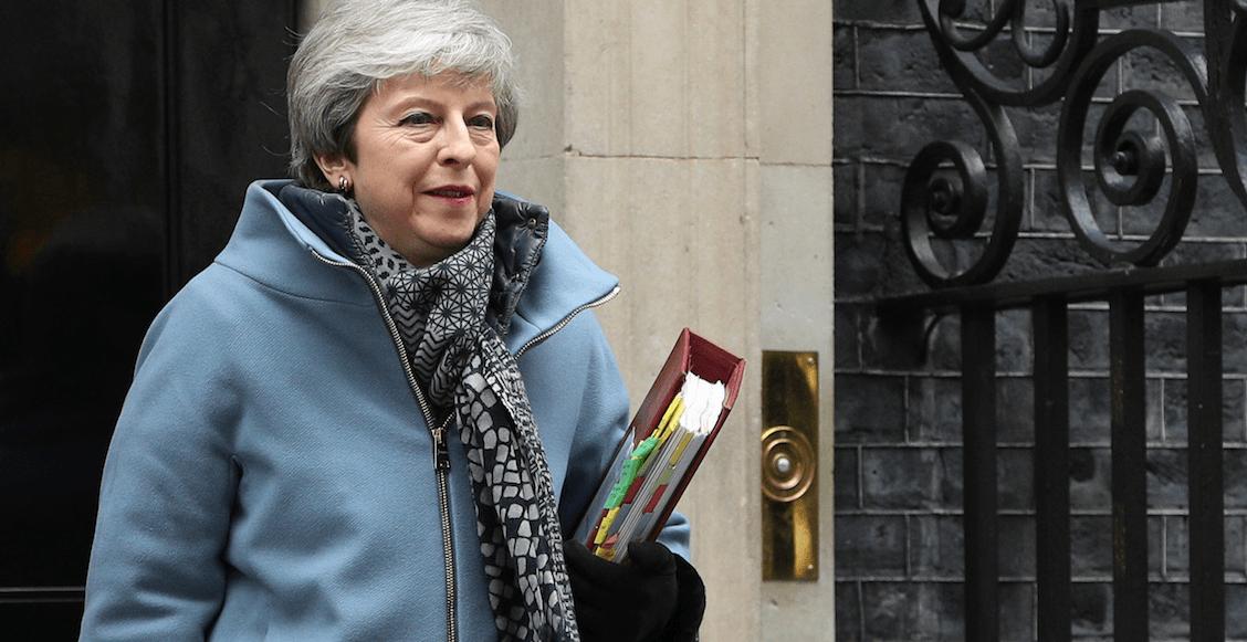 Tsss... Theresa May dejará el cargo si se aprueba su acuerdo del Brexit