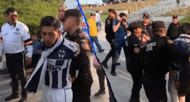 ¡Robo incomparable! Detienen a aficionado de Monterrey que robó boleto a uno de Tigres
