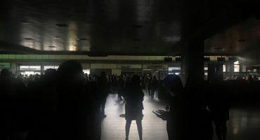 Otro apagón: Suspenden labores en Venezuela; gobierno de Maduro acusa nuevo
