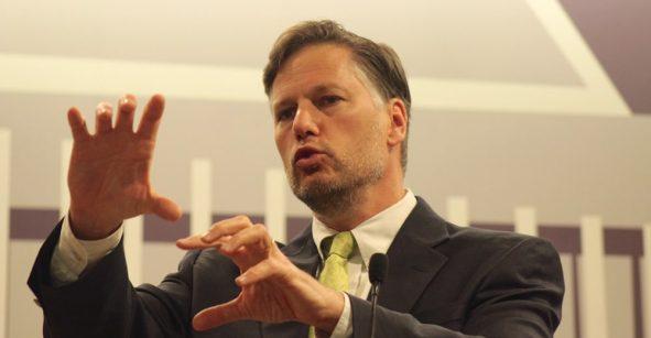 Christopher LAndou, embajado de EEUU en México