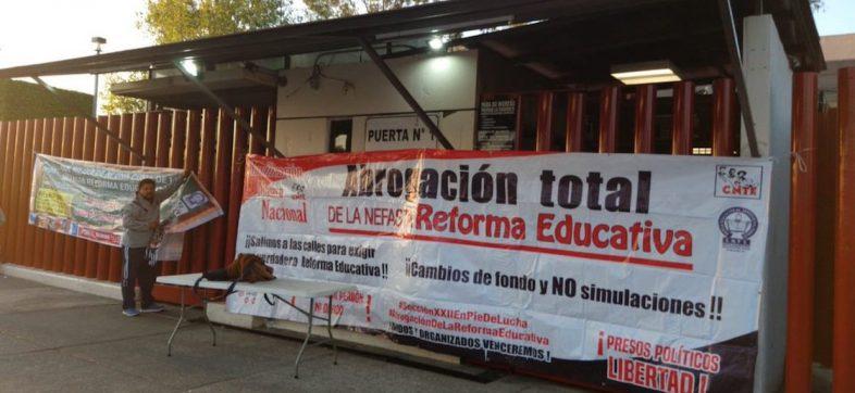 cnte-diputados-sesion-camara-protesta