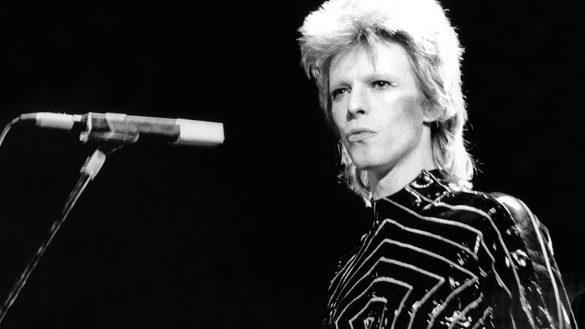 Ya puedes escuchar el primer demo de David Bowie para 'Starman'