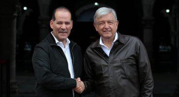 Gobernador de Aguascalientes recibe a AMLO pero no asiste a evento por abucheos