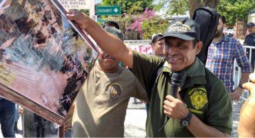 Policía comunitaria y estudiantes de Guerrero exigen la aparición de Gonzalo Molina Gutiérrez