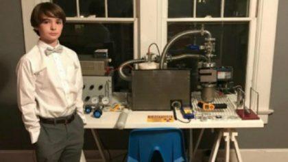 Aburrido de los juegos, ¡este chico construyó un reactor de fusión nuclear en su casa!
