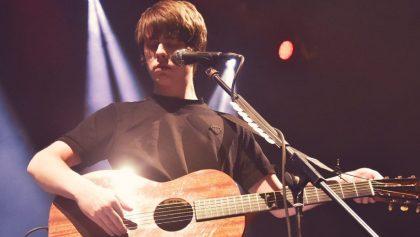 En su regreso a México, Jake Bugg demostró que ya no es un adolescente, y sus fans tampoco