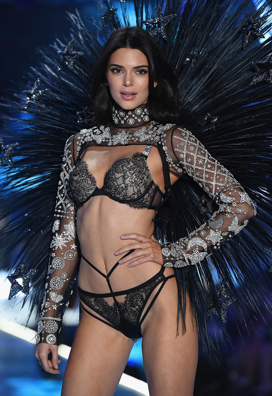 Victoria's Secret anuncia su nueva modelo 'plus size' ¿El problema? Pesa 55 kilos