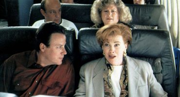 ¡Qué clase de 'Home Alone' es esto! Avión aterriza de emergencia por una mujer que olvidó a su bebé