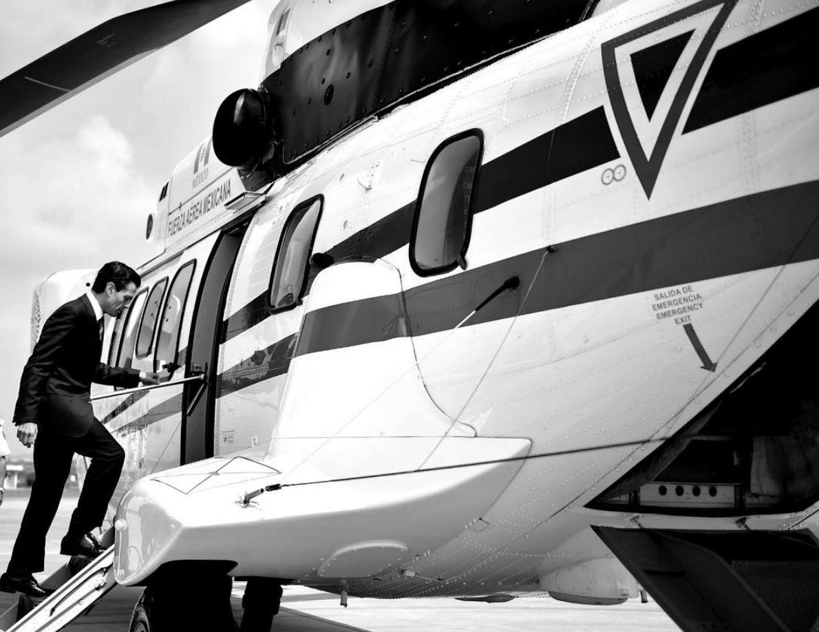 Peña Nieto y acompañantes bebieron 746 botellas de alcohol en avión presidencial