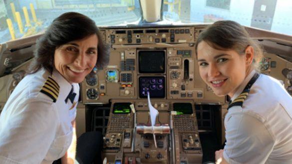¡Female Power! Conoce a la madre e hija pilotos que vuelan el mismo avión
