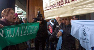 Feministas piden aborto legal y seguro; Nuevo León aprueba reforma