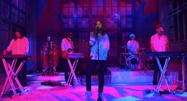 Premio doble: Tame Impala interpreta dos nuevas canciones en Saturday Night Live 