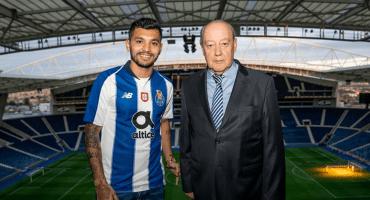Tras perder a Reyes y a Herrera, Porto renueva al 'Tecatito', su último mexicano