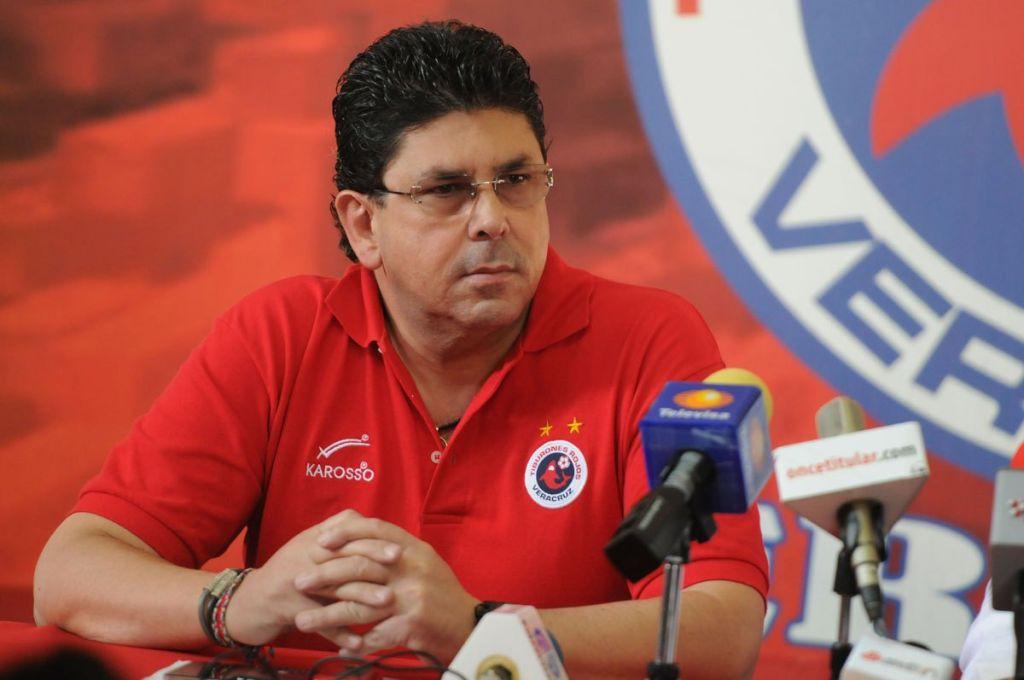 Tras su descenso, estadio y nombre del Veracruz pasaría a ser propiedad del gobierno