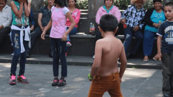 Diputados de Morena buscan prohibir el reggaetón y los narcocorridos en escuelas de Sinaloa
