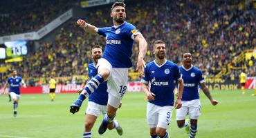 Schalke sorprendió al Dortmund y sirve la Bundesliga para el Bayern Múnich