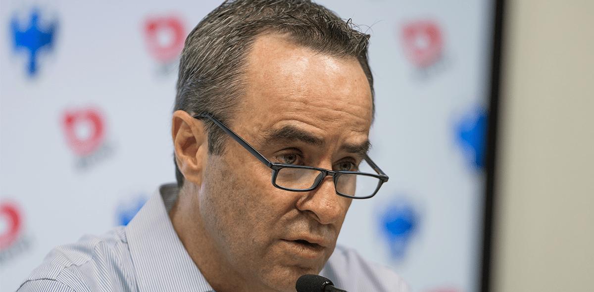 Luis Miguel Salvador SÍ podría llegar a Chivas