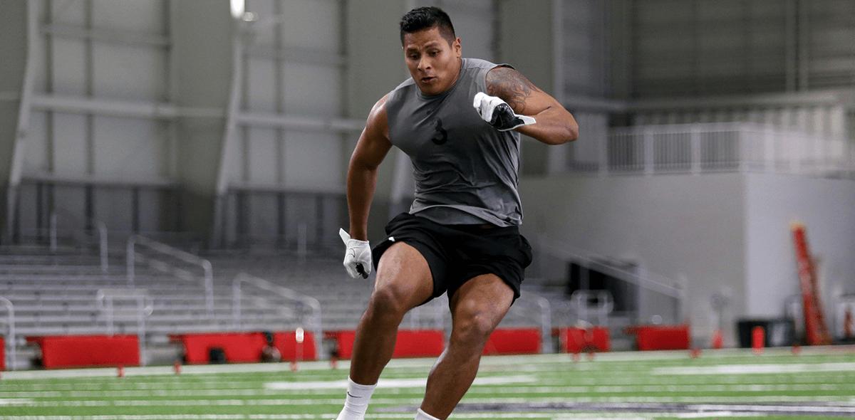 Él es Máximo González, el mexicano que podría jugar pronto en la NFL