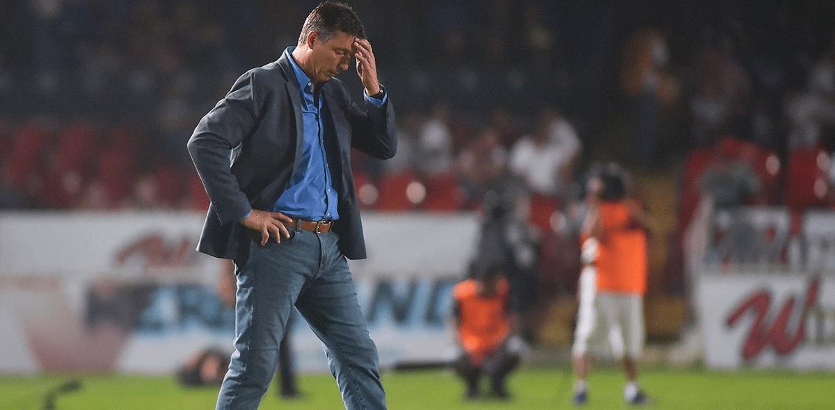 ¡Ya son 10! Robert Dante Siboldi renunció como DT de Veracruz
