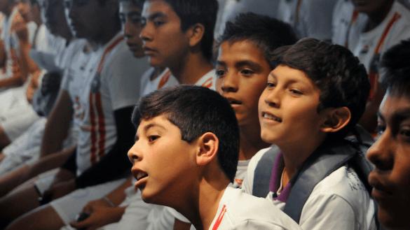 Entre homicidios y abusos, la violencia también toca a los niños y las niñas, señala Sipinna